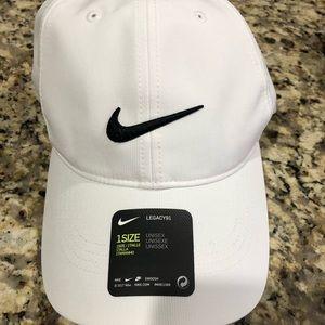 Nike legacy golf hat